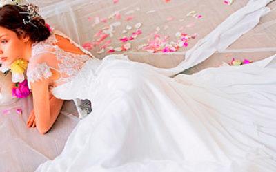 Хто купує весільну сукню нареченій?
